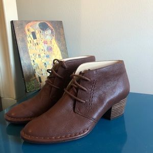 Clark brown shoes size 7 great condition